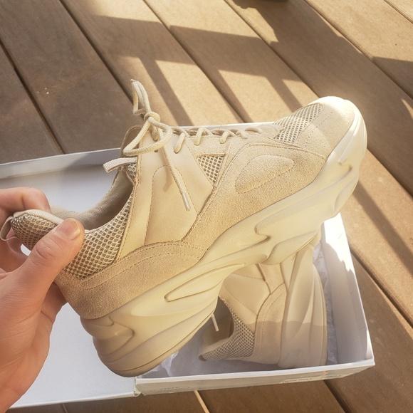 Steve Madden Beige Movement Sneakers